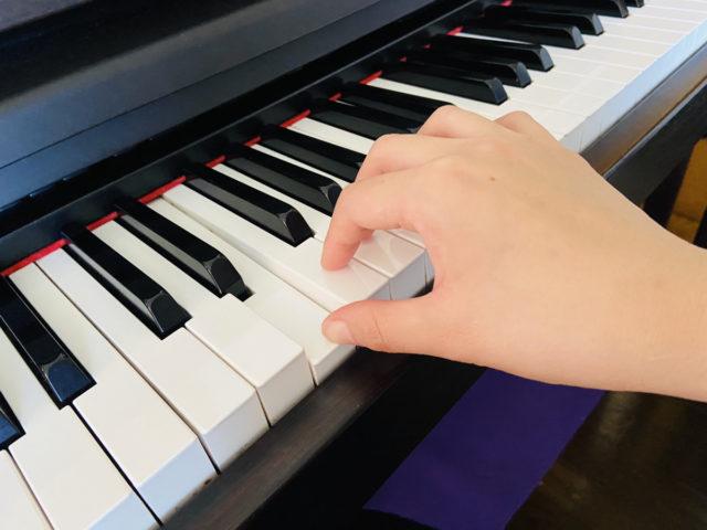 ピアノ正しい手